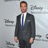 James-Van-Der-Beek-lent-ID-to-Timberlake