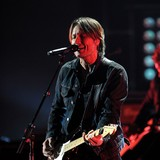 Keith-Urban-loving-American-Idol