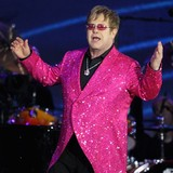 Elton-John-wants-family-home