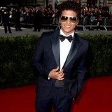 Bruno-Mars:-I-sing-like-a-fly