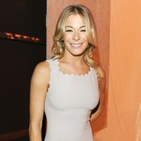 LeAnn-Rimes-likes-therapy