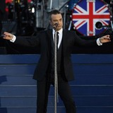 Robbie-Williams-reveals-labour-scare