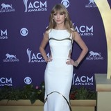 Taylor-Swift:-Songs-come-to-me-like-puzzle-pieces