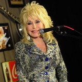 Dolly-Parton:-I-can-relate-to-Snow-White