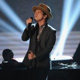 Bruno-Mars:-I-hope-Bieber-hooked-up-at-VS-show