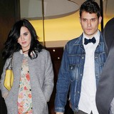 John-Mayer-visits-wedding-venue-with-Perry