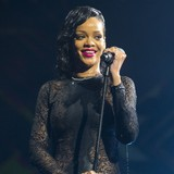 Rihanna-fuels-split-rumours-with-cryptic-tweet