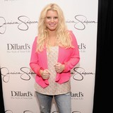 Jessica-Simpson-planning-Hawaiian-wedding
