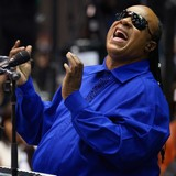 Stevie-Wonder-donates-100k-to-sick-girl