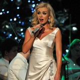 Katherine-Jenkins-enjoys-traditional-Christmas