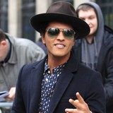 Bruno-Mars-amused-by-cheeky-gift