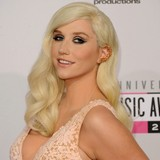 Ke$ha:-Gender-doesnt-matter-when-Im-in-love