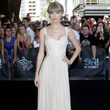 Taylor-Swift-jets-to-UK-to-see-Styles