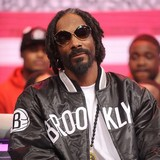 Snoop-Dogg-backed-by-Marleys-son