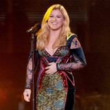 Kelly-Clarkson:-Im-no-bridezilla
