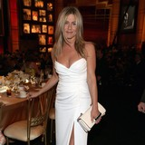 Aniston-and-Mayers-awkward-run-in