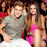 Bieber-and-Gomez-top-choice-for-Idol