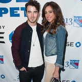 Kevin-Jonas-says-opposites-attract