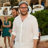 Seth-Rogen:-I-couldnt-ask-Rihanna-to-sing