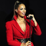 Leona-Lewis-planning-marriage