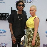 Amber-Rose:-I-give-Wiz-my-shirt