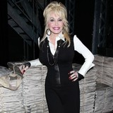 Dolly-Parton-for-Glasto?