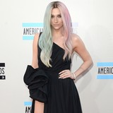 Ke$ha-encouraged-to-lose-weight