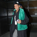Rihanna-using-love-block-app