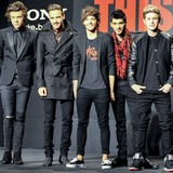 One-Direction-crowned-Recording-Artists-13