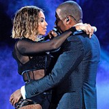 Beyonce-and-Jay-Z-to-renew-vows?