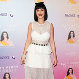 Katy-Perry-erases-John-with-hypnotherapy