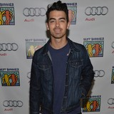Joe-Jonas-audience-fear