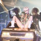 Miley-slams-Liam