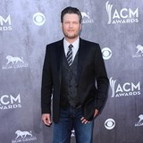 Blake-Shelton:-Cats-are-sneaky