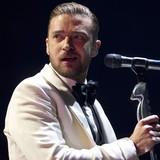 Timberlake-sweeps-Billboard-Music-Awards