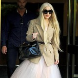 Gaga-looks-to-hire-Biebers-manager