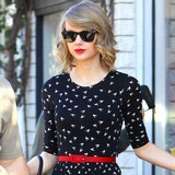 Taylor-Swift-hints-at-new-music
