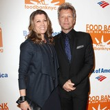 Bon-Jovis-wife-recovering-after-knife-accident