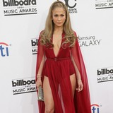 JLo-denies-dating-rumours