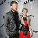 Hemsworth-tells-Cyrus-to-move-on