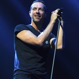 Chris-Martin-enjoying-singledom