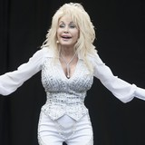 Dolly-wants-own-Glastonbury