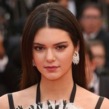 Kendall-Jenner-has-chemistry-with-Irwin