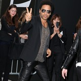 Lenny-Kravitz:-Moms-still-with-me
