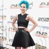 Paramore:-Well-win-over-new-fans-at-Reading