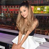 Ariana-Grande-shares-dance-moves