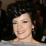 Lily-Allen-slams-obsessive-society