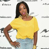 Estelle:-Music-transcends-barriers