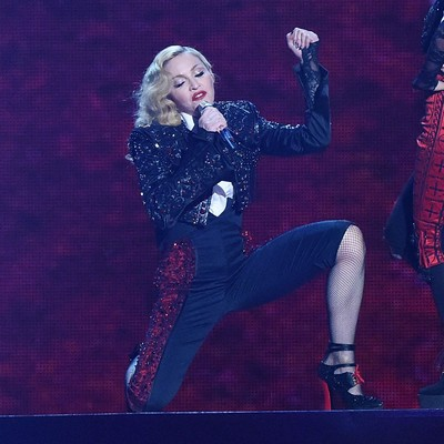 Madonnas-Brit-award-fall