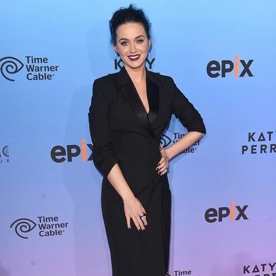 Katy-Perry:-Take-me-on-a-hike!